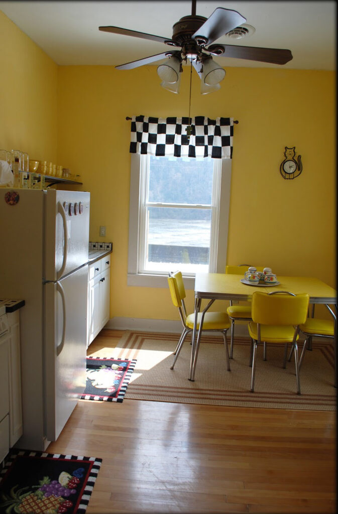 Picture of kitchen in Angels Rest